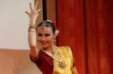 Индийские танцы (для взрослых)