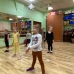 Занятие по акробатическому рок-н-роллу